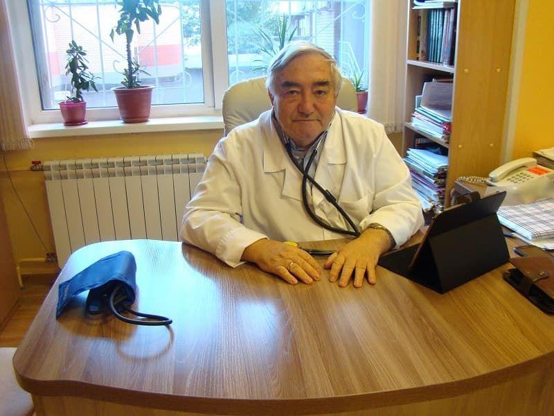 Степанчук Виталий Игоревич, врач-кардиолог со стажем работы 18 лет